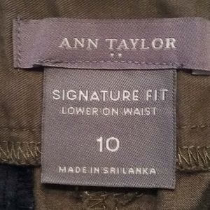Ann Taylor Shorts - 💜3 for$18. Ann Taylor Signature Fit Green Shorts